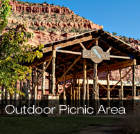 la estancia outdoor picnic area